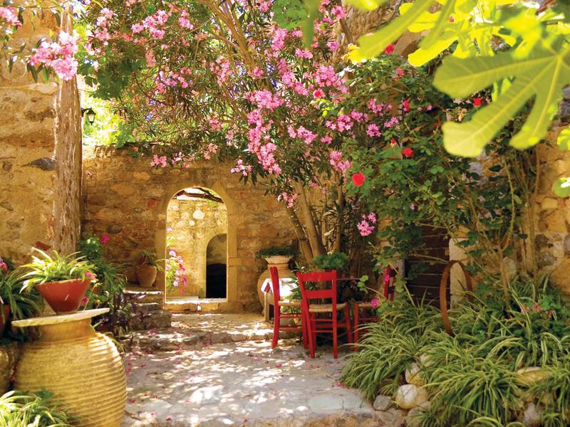 Средиземноморский стиль в ландшафтном дизайне - фото 2